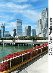 Sidewalk on along Biscayne Bay from Brickell Key