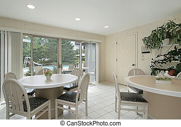 Eating area with sliding door - Eating area with outside to...