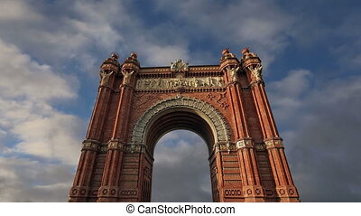 Arc de Triomf, Barcelona, Spain  (time lapse)