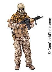 criminal,  unrecognizable, segurando,  rifle