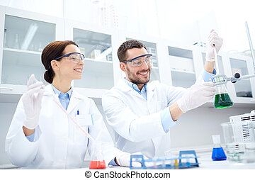 jovem, cientistas, fazer, teste, ou, pesquisa, em,...