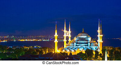 Blue Mosque at sunset in Istanbul, Turkey, Sultanahmet...