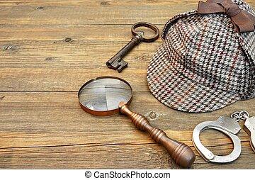 Sherlock Holmes Cap famous as Deerstalker, Key, Handcuffs...