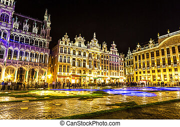 The Grand Place in Brussels - The Grand Place at night in...