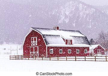 rojo, granero, en, el, nieve,