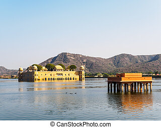 Jal Mahal, the Waterpalace in Jaipur, Rajasthan, India