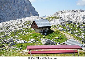 mountain hut - Isolated mountain hut in the heart of the...