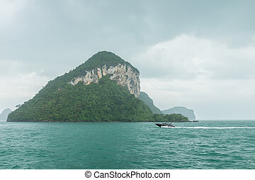 Angthong islands - Rainly landscape of Angthong islands of...