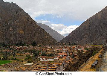 Ollantaytambo - old Inca fortress, Peru - Ollantaytambo -...
