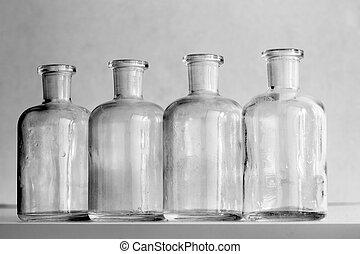 flacons - Detail of the little bottles - medicine bottles
