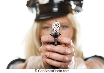 mujer policía, policía, con, arma de fuego,