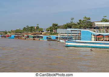 Tonle Sap port scenery near Siem Reap.