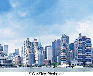 Midtown Manhattan skyline from East River.