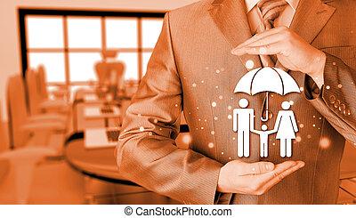 homem negócios, protegendo, família, seguro,...