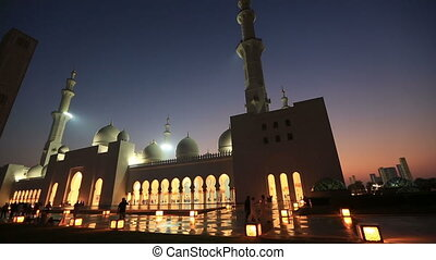 Sheikh Zayed Grand Mosque Abu Dhabi - tourist and muslim...