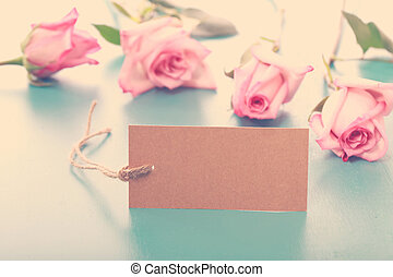 Blank note tag with pink roses