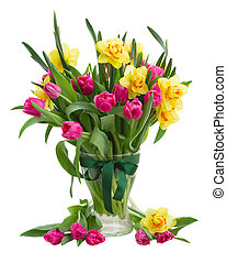 bunch of tulips and daffodils in vase - bunch of pink tulip...