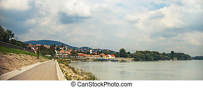 SZENTENDRE, HUNGARY, house at steet in summer - SZENTENDRE,...