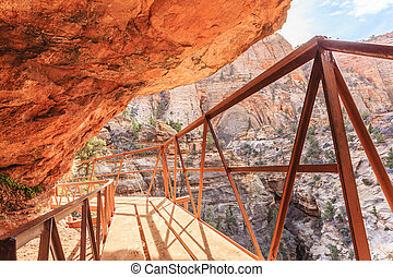 Canyon Overlook Trail - The Canyon Overlook Trail at Zion...