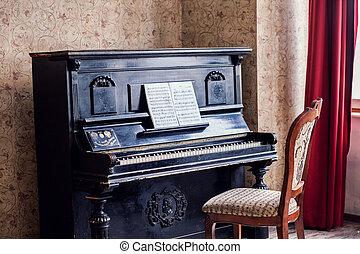 Antique Piano - Old fashioned piano
