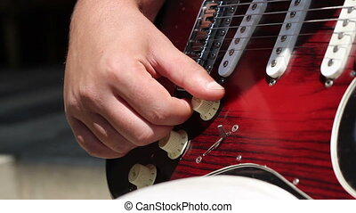 Electric Guitar Control Knobs - Tuning the volume and tone...