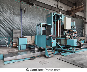 Milling Machine with automatic interchangeable milling heads...