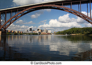 The Mighty Mississippi River - St Paul, Minnesota and the...