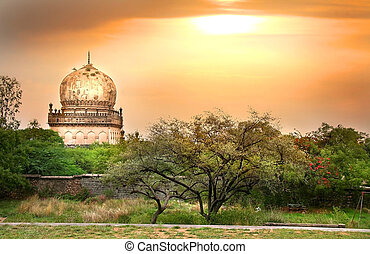 Quli Qutb Shahi Tombs - Historic Quli Qutb shahi tombs in...