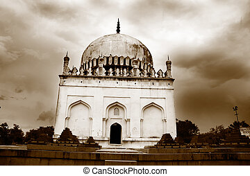 Quli, Qutb, Shahi, tumbas