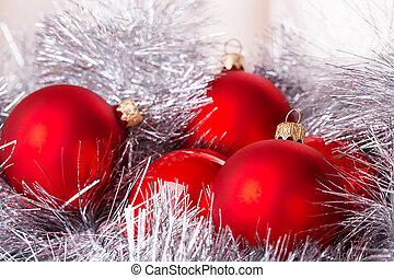 tinsel cristmas ball