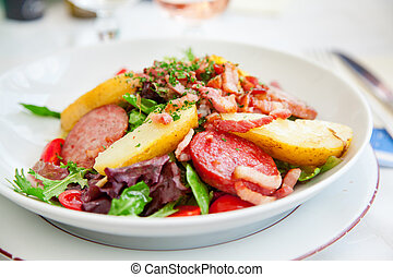 Gourmet salad in Cannes - Gourmet salad with vegetables and...