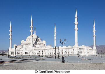 The new Sheikh Zayed Grand Mosque in Fujairah, United Arab...