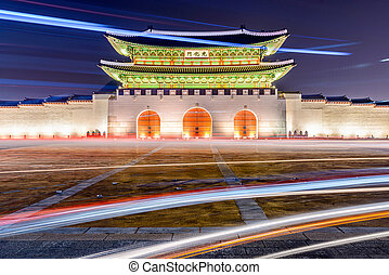 Seoul Gate - Gwanghwamun gate at Geyongbokgung Palace in...