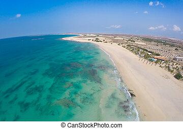aéreo, vista, en, arena, dunas, en, Chaves, playa,...