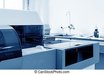 Biochemical analyzer - Hospital laboratories, automatic...