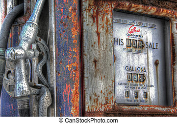 Vintage gas pump 153 - Vintage gas pump with 72 cents per...