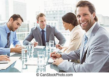 jovem, negócio, pessoas, em, reunião,