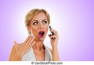 mulher, falando, ligado, móvel, telefone,