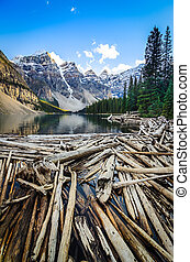 Landscape view of Moraine lake and mountais in Canadian Rockies