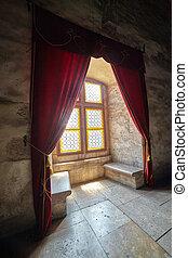castillo, ventana, con, cortinas,