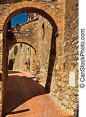 An archway at San Gimignano.