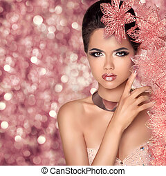 Makeup. Glamour Fashion Portrait of Beautiful Attractive...