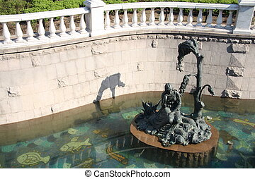 Sculpture of a young girl in canal - Beautiful sculpture of...