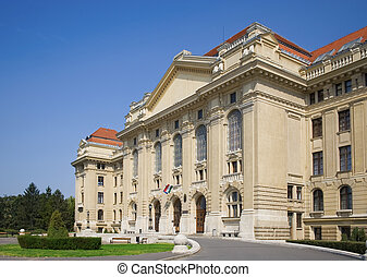 Main entrance of University - Main entrance of Debrecen...