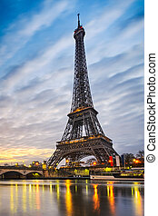 Eiffel tower, Paris - Sunrise at the Eiffel tower, Paris