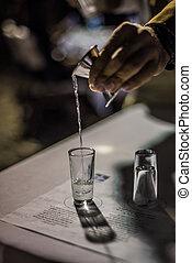 El verter, Tequila, en, Un, acontecimiento, en, Mexico.,...