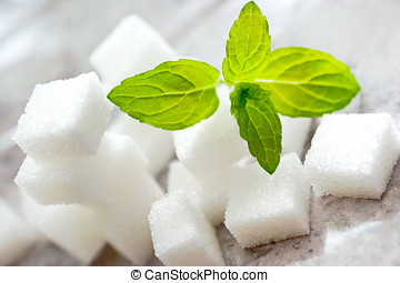 white suger cubes with fresh mint - ?erstvá máta a bilý...