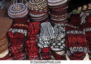 tejer, Pantuflas, y, bordado, skull-caps, Turkmenistan.,...