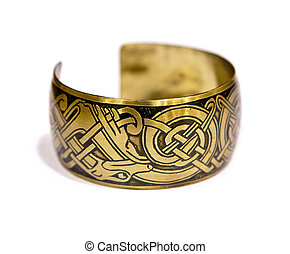 Vintage bracelet with the engraved etni� pattern