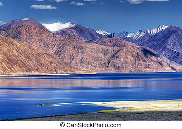 Pangong tso Lake, Leh, Ladakh, Jammu and Kashmir, India -...